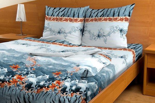 Простыня Снежная долина серый (бязь) 2-спальный (195х220)Бязь Эконом<br>Бязевое постельное белье считается лучшим, если вы хотите получить от своего сна настоящий отдых. Убедиться в этом вам поможет бязевая простыня Снежная долина серый.   В составе этой бязевой простыни находится натуральное хлопковое волокно, которое обладает такими замечательными свойствами, как воздухопроницаемость, гипоаллергенность и т.д. Кроме того, бязь совсем неприхотлива в уходе за ней, поэтому вы можете подвергать данную простыню машинной стирке, которая не повлияет ни на форму изделия, ни на насыщенность его расцветки.   Но самое удивительное заключается в низкой цене простыни Снежная долина серый, а также в выгодном соотношении цены и качества. <br>Внимание! При пошиве данной простыни используется ткань шириной 150 см, поэтому в двуспальном размере простынь является сшивной, где к одному отрезку ткани пришивается другой отрезок (т.е. по центру изделия будет проходить шов). Это необходимо, чтобы получить нужные размеры для двуспального варианта.  Размер: 2-спальный (195х220)<br><br>Тип простыни: Со швом<br>Производство: Производится про запас<br>Принадлежность: Для дома<br>Плотность КПБ: 105 гр/кв.м<br>Категория КПБ: Цветы и растения<br>По назначению: Повседневные<br>Основной материал: Бязь<br>Страна - производитель ткани: Россия, г. Иваново<br>Вид товара: КПБ<br>Материал: Бязь<br>Сезон: Круглогодичный<br>Плотность: 105 г/кв. м.<br>Состав: 100% хлопок<br>Длина: 25<br>Ширина: 16<br>Высота: 3<br>Размер RU: 2-спальный (195х220)