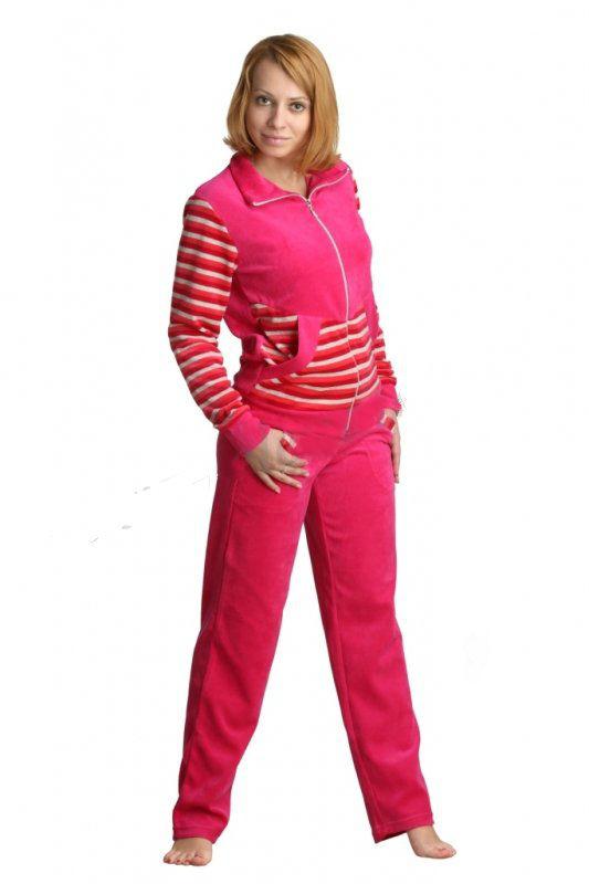 Костюм женский АйселаЗимние костюмы<br>Собрались на прогулку, но холодная погода начисто отбила у вас все желание? Не расстраивайтесь, потому что с женским костюмом Айсела ни проявления непогоды, ни даже плохое настроение, которое она с собой приносит, вам не страшны!<br>Данный костюм, состоящий из толстовки и брюк, очень теплый и удобный. Он сшит из мягкого велюра, и помимо того, что вам будет комфортно в таком костюме, он прослужит вам очень долго, поскольку велюр &amp;amp;mdash; прочная и устойчивая к стиркам ткань. Костюм выполнен в однотонной расцветке, предложенной в нескольких вариациях. Дизайн дополнен аккуратными рельефными вставками в полоску.<br>Наконец, женский костюм Айсела имеет удобный фасон, поэтому даже после продолжительной носки вы будете чувствовать себя в нем достаточно комфортно.<br>Длина толстовки: 42-54 размеры 61 см<br>Длина брюк: 42 размер 104 см; 44 размер 105 см; 46 размер 106 см; 48 размер 107 см; 50 размер 108 см; 52 размер 109 см; 54 размер 110 см. Размер: 42<br><br>Принадлежность: Женская одежда<br>Комплектация: Брюки, толстовка<br>Основной материал: Велюр<br>Страна - производитель ткани: Россия, г. Иваново<br>Вид товара: Одежда<br>Материал: Велюр<br>Сезон: Зима<br>Тип застежки: Молния<br>Состав: 80% хлопок, 20% полиэстер<br>Длина рукава: Длинный<br>Длина: 30<br>Ширина: 20<br>Высота: 11<br>Размер RU: 42