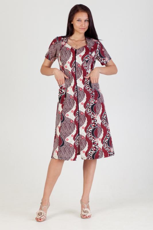 Халат женский ЮлалияЛегкие халаты<br>Халат не хуже симпатичного платья способен подчеркнуть достоинства женской фигуры, и неважно, что данный вид одежды предназначен исключительно для носки дома. Яркий тому пример &amp;amp;mdash; домашний халат Юлалия.<br>Данная модель словно создана для того, чтобы вы не переставали чувствовать себя самой прекрасной даже дома, когда занимаетесь обычными делами вроде уборки, стирки или отдыха в кругу семьи. Он имеет приталенный крой, расклешенный к низу, и короткие рукава. Застегивается халат на удобную молнию, расположенную по всей длине изделия. Контрастная расцветка с изящными узорами придает халату еще больше очарования.<br>Халат женский Юлалия сшит из кулирки с натуральным хлопковым составом, поэтому носить его вы будете с комфортом и удовольствием на протяжении всего дня! Размер: 68<br><br>Принадлежность: Женская одежда<br>Основной материал: Кулирка<br>Страна - производитель ткани: Россия, г. Иваново<br>Вид товара: Одежда<br>Материал: Кулирка<br>Сезон: Лето<br>Тип застежки: Молния<br>Состав: 100% хлопок<br>Длина рукава: Короткий<br>Длина: 19<br>Ширина: 17<br>Высота: 9<br>Размер RU: 68