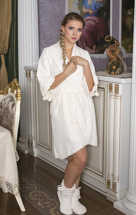 Халат женский БеладоннаТеплые халаты<br>Размер: 58<br><br>Принадлежность: Женская одежда<br>Основной материал: Велсофт<br>Страна - производитель ткани: Россия, г. Иваново<br>Вид товара: Одежда<br>Материал: Велсофт<br>Состав: 80% полиэстер, 20% эластан<br>Длина рукава: Средний<br>Длина: 30<br>Ширина: 20<br>Высота: 11<br>Размер RU: 58