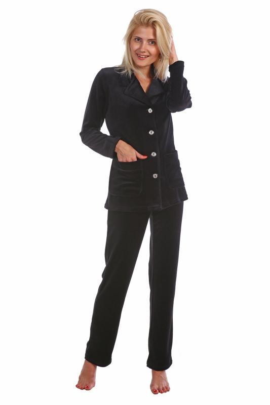 Костюм женский ШейнаЗимние костюмы<br>Возвращаясь домой после утомительного рабочего дня, хочется ощущать лишь гармонию и уют. Эта возможность зависит во многом от вашей домашней одежды. Если вы еще не нашли свой идеальный домашний наряд, стоит обратить внимание на женский костюм Шейна.<br>Изделие из мягкого велюра приятно телу и очень практично в носке. Костюм не выцветает, не изнашивается и не деформируется после стирки. Хлопковая ткань позволяет коже дышать и не вызывает раздражения. Добавление полиэстера обеспечивает прочность и долговечность материала. Модель состоит из свободной курточки на пуговицах и с удобными карманами и брюк прямого кроя. Дизайн выполнен в черном цвете, яркая нотка &amp;amp;mdash; вышивка в виде короны на елвой полочке.<br>Женский костюм Шейна - это то приобретение, о котором вы точно не пожалеете. Мягкая качественная ткань, практичный и стильный фасон, изящная расцветка &amp;amp;mdash; все это сочетается в нем, делая модель идеальным домашним костюмом. Размер: 56<br><br>Принадлежность: Женская одежда<br>Комплектация: Брюки, джемпер<br>Основной материал: Велюр<br>Страна - производитель ткани: Россия, г. Иваново<br>Вид товара: Одежда<br>Материал: Велюр<br>Сезон: Зима<br>Тип застежки: Пуговицы<br>Состав: 80% хлопок, 20% полиэстер<br>Длина рукава: Длинный<br>Длина: 30<br>Ширина: 20<br>Высота: 11<br>Размер RU: 56