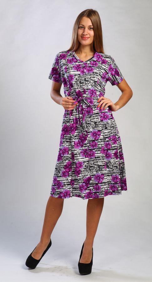 Халат женский ОктябрьЛегкие халаты<br>Не можете выбрать домашнюю одежду? Хотите подобрать что-то удобное, практичное, красивое и одновременно недорогое? Больше это не проблема!<br>Особенность халата женского Октябрь - оригинальный дизайн, который обязательно порадует модниц.  Привлекательная расцветка сочетается с элегантным кроем. Легкая и невесомая хлопковая кулирка пропускает воздух, поддерживает естественную терморегуляцию, практически не ощущается на теле.<br>Женский халат Октябрь выгодно подчеркнет преимущества фигуры за счет грамотного полуприталенного силуэта. Накладные карманы пригодятся для хранения мелочей. Доступная цена порадует экономных покупательниц.<br>Домашний трикотаж от производителя в Иваново отличается лучшими характеристиками трикотажного изделия. Трикотажный халат не только удобный и модный, но после многократных стирок сохраняет привлекательный внешний вид.<br>Размеры: 44-62 Размер: 56<br><br>Принадлежность: Женская одежда<br>Основной материал: Кулирка<br>Страна - производитель ткани: Россия, г. Иваново<br>Вид товара: Одежда<br>Материал: Кулирка<br>Сезон: Лето<br>Состав: 100% хлопок<br>Длина рукава: Короткий<br>Длина: 19<br>Ширина: 17<br>Высота: 9<br>Размер RU: 56