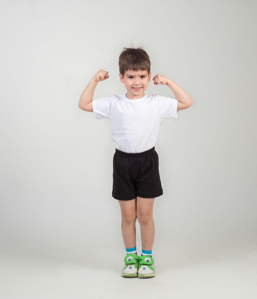 Футболка детская СашкаФутболки<br>Выбор детского гардероба требует максимальной ответственности со стороны родителей. Все вещи должны быть качественными, износостойкими, безопасными и относительно недорогими, ведь дети так быстро растут. Всем этим критериям сполна соответствует футболка детская Сашка.<br>Основной материал - легкая и тонкая кулирка. Экологически чистое натуральное хлопковое волокно абсолютно безвредно и гипоаллергенно. Ткань не вызывает раздражения при постоянной носке, не деформируется при регулярных стирках, не требует специфического ухода и не нуждается в глажке.<br>Благодаря наличию разных размеров, детскую футболку Сашка можно подобрать мальчишкам разного возраста, до десяти лет. Размер: 32<br><br>Производство: Закупается про запас<br>Принадлежность: Детская одежда<br>Возраст: Младший школьный возраст (7-10 лет)<br>Пол: Унисекс<br>Основной материал: Кулирка<br>Страна - производитель ткани: Россия, г. Иваново<br>Вид товара: Детская одежда<br>Материал: Кулирка<br>Длина: 18<br>Ширина: 12<br>Высота: 2<br>Размер RU: 32