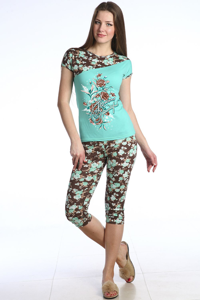 Пижама женская ВосторгПижамы<br>Одежда, которую вы носите, в первую очередь должна вызывать у вас восторг, а не разочарование. И яркий пример тому - это наша новая модель Восторг, название которой говорит само за себя.   Данная пижама состоит из футболки и бриджей прилегающей формы; изделия отлично подчеркивают достоинства женской фигуры, а благодаря своей яркой расцветке и стильным принтам, позволяют выглядеть вам в них женственно и изящно. Сшита же пижама из натурального хлопкового материала, кулирки.   Носить женскую пижаму Восторг вы можете и в качестве домашней одежды, потому что даже при длительной носке она позволяет вам чувствовать себя в ней предельно комфортно!    Размер: 44<br><br>Принадлежность: Женская одежда<br>Основной материал: Кулирка<br>Вид товара: Одежда<br>Материал: Кулирка<br>Длина: 18<br>Ширина: 12<br>Высота: 7<br>Размер RU: 44