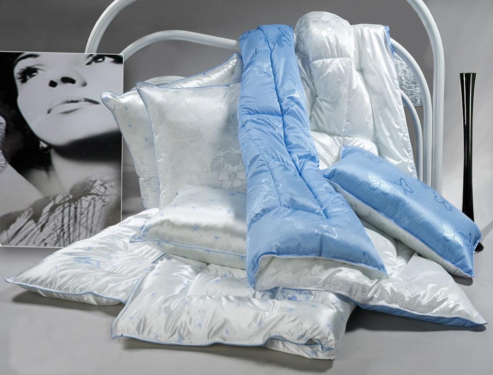 Одеяло зимнее Версаль (лебяжий пух, трикот) 2 спальный (172*205)Лебяжий пух<br>Размер: 2 спальный (172*205)<br><br>Уход за вещами: Стирка запрещена, только химчистка<br>Тип одеяла: Эконом<br>Принадлежность: Для дома<br>По назначению: Повседневные<br>Наполнитель: Лебяжий пух<br>Основной материал: Трикот<br>Страна - производитель ткани: Россия, г. Иваново<br>Вид товара: Одеяла и подушки<br>Материал: Трикот<br>Сезон: Зима<br>Плотность: 300 г/кв. м.<br>Толщина одеяла: Стандартное (от 300 до 500 гр/кв.м)<br>Длина: 48<br>Ширина: 38<br>Высота: 20<br>Размер RU: 2 спальный (172*205)