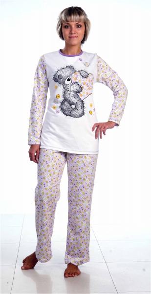 Пижама женская История любвиПижамы<br>Хоть мы в первую очередь всегда  обращаем внимание на внешний вид изделия, которое собираемся приобрести, качество для нас тоже играет немаловажную роль.<br>И найти вещь, которая бы совмещала в себе красивый яркий дизайн и хорошее качество - вполне реально. И одна из таких вещей - это данная модель, женская пижама История любви. Выполнив пижаму в красочной расцветке, производитель обратил достаточно внимания и на ее качество.  Модель состоит из длинных штанов свободного кроя и водолазки. <br>Не останется без вашего внимания, покупатели, и довольно приемлемая цена.  Размер: 54<br><br>Принадлежность: Женская одежда<br>Основной материал: Футер<br>Страна - производитель ткани: Россия, г. Иваново<br>Вид товара: Одежда<br>Материал: Футер<br>Тип застежки: Без застежки<br>Длина рукава: Длинный<br>Длина: 25<br>Ширина: 14<br>Высота: 6<br>Размер RU: 54