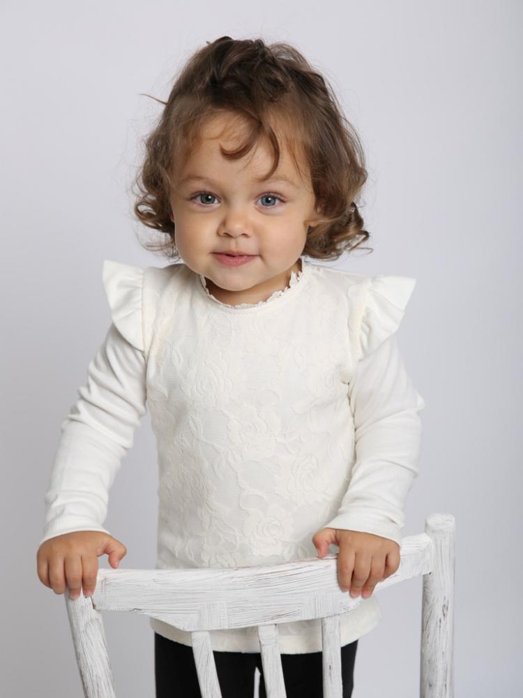 Джемпер детский АрабэльДжемперы<br>Размер: 30<br><br>Принадлежность: Детская одежда<br>Возраст: Дошкольник (1-6 лет)<br>Пол: Девочка<br>Основной материал: Интерлок<br>Страна - производитель ткани: Россия, г. Иваново<br>Вид товара: Детская одежда<br>Материал: Интерлок<br>Длина: 18<br>Ширина: 12<br>Высота: 2<br>Размер RU: 30