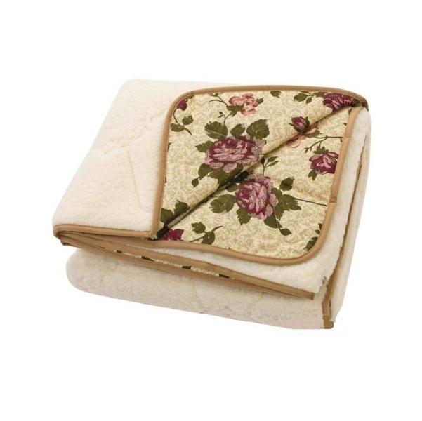 """Одеяло-покрывало """"Зима-Лето"""" Евро-1 (200*220)Прочие одеяла<br>Одеяло-покрывало двустороннее; <br>Состав: <br>1 сторона: ткань 100% хлопок, бязь<br>2 сторона: мех мериноса на трикотажной основе<br>Цвет ткани: набивной <br>Цвет меха: бежевый  Размер: Евро-1 (200*220)<br><br>Тип одеяла: Эконом<br>Принадлежность: Для дома<br>По назначению: Повседневные<br>Наполнитель: Мех мериноса<br>Основной материал: Хлопок<br>Страна - производитель ткани: Россия, г. Иваново<br>Вид товара: Одеяла и подушки<br>Материал: Хлопок<br>Сезон: Зима<br>Длина: 48<br>Ширина: 38<br>Высота: 20<br>Размер RU: Евро-1 (200*220)"""