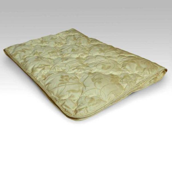 """Одеяло зимнее """"Шелк"""" (сатин) 1,5 спальный (140*205)"""