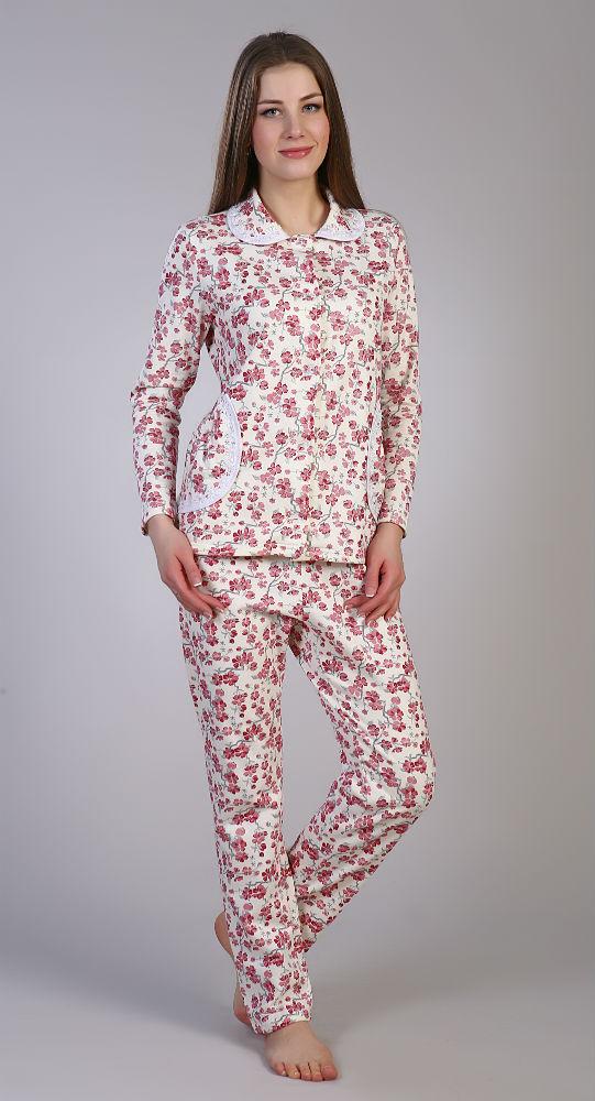 Пижама женская БаварияПижамы<br>Основной критерий выбора подходящей одежды для сна - ее удобство и практичность, ведь именно они сполна сказываются на комфорте и самочувствии в течение ночи. Отличный выбор - пижама женская Бавария!<br>Легкая, мягкая и удобная, она хорошо согревает, пропуская воздух, а заодно не вызывает аллергию либо раздражение. Натуральный футер на основе стопроцентного хлопка - нежная ткань, абсолютно безопасная даже для пошива детских вещей. Футер - прочный и неприхотливый. Он практически не изнашивается, не выцветает и легко сохраняет первоначальный вид при общей простоте ухода.<br>Женская пижама Бавария - настоящая находка для экономных модниц, предпочитающих практичные и надежные решения. Размер: 48<br><br>Принадлежность: Женская одежда<br>Комплектация: Брюки, кофта<br>Основной материал: Футер<br>Страна - производитель ткани: Россия, г. Иваново<br>Вид товара: Одежда<br>Материал: Футер<br>Тип застежки: Пуговицы<br>Состав: 100% хлопок<br>Длина рукава: Длинный<br>Длина: 25<br>Ширина: 17<br>Высота: 7<br>Размер RU: 48