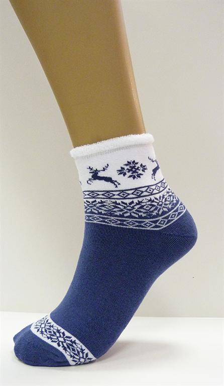 Носки женские Виктория (упаковка 10 штук) 23-25Носки<br>Женский носок с жаккардовым скандинавским орнаментом. Плюш внутри.<br>В упаковке 10 штук разных цветов. Размер: 23-25<br><br>Производство: Закупается про запас<br>Принадлежность: Женская одежда<br>Основной материал: Трикотаж<br>Страна - производитель ткани: Россия, г. Иваново<br>Вид товара: Одежда<br>Материал: Трикотаж<br>Состав: 87% хлопок, 12% ПА , 1% эластан<br>Длина: 20<br>Ширина: 18<br>Высота: 7<br>Размер RU: 23-25