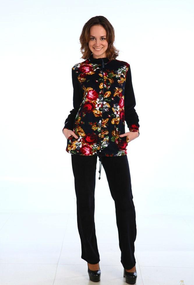 Костюм женский ЯнеляЗимние костюмы<br>Простые и практичные повседневные вещи пригодятся всегда и каждому, позволяя не беспокоиться насчет собственного комфорта и привлекательности образа. Удачный выбор - женский костюм Янеля!<br>Оптимальные характеристики велюра позволяют эффективно использовать его в любых отраслях текстильной промышленности. Материал плотный, теплый, немнущийся и сравнительно неприхотливый. При своей плотности и теплоте, велюр отменно пропускает воздух, поддерживая благоприятный теплообмен.<br>Красивый и практичный зимний костюм Янеля состоит из толстовки с брюками, в нескольких расцветках. Большой выбор размеров и универсальность модели позволяют подобрать элементарно идеальный вариант по фигуре. Размер: 52<br><br>Принадлежность: Женская одежда<br>Комплектация: Брюки, толстовка<br>Основной материал: Велюр<br>Страна - производитель ткани: Россия, г. Иваново<br>Вид товара: Одежда<br>Материал: Велюр<br>Сезон: Зима<br>Состав: 80% хлопок, 20% полиэстер<br>Длина: 30<br>Ширина: 20<br>Высота: 11<br>Размер RU: 52