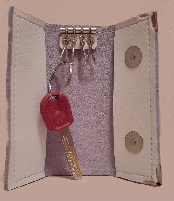 """Ключница кожаная """"4 ключа"""" (белая) от Grandstock"""