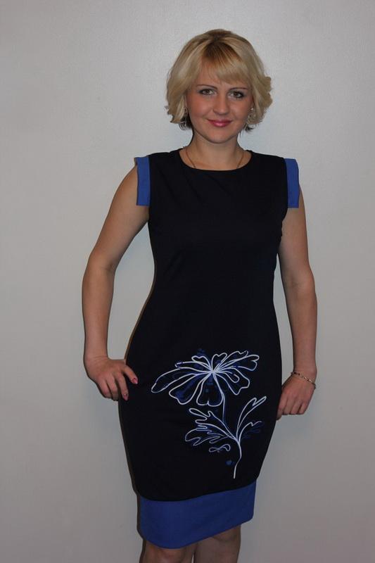 Платье женское НеваПлатья<br>Размер: 54<br><br>Принадлежность: Женская одежда<br>Основной материал: Креп<br>Вид товара: Одежда<br>Материал: Креп<br>Состав: 100% полиэстер<br>Длина: 18<br>Ширина: 12<br>Высота: 7<br>Размер RU: 54