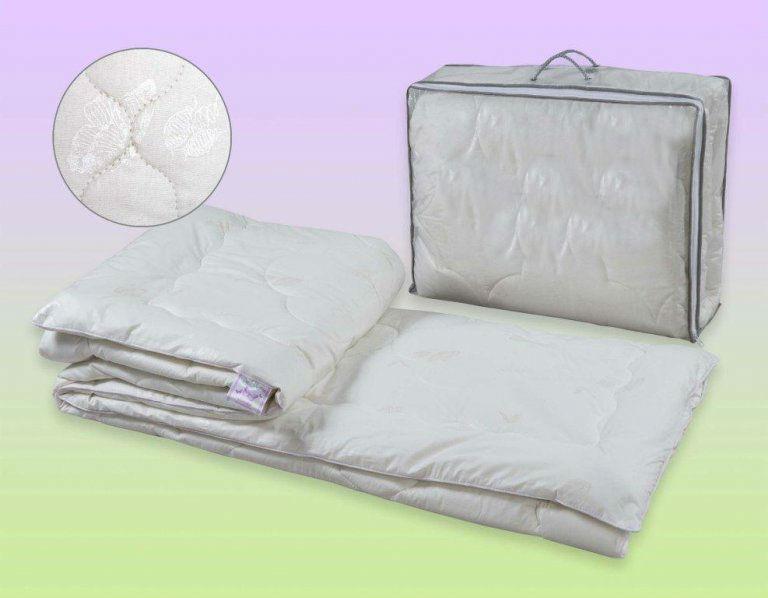 """Одеяло зимнее """"Аляска"""" (шелк, перкаль) 1,5 спальный (140*205)"""