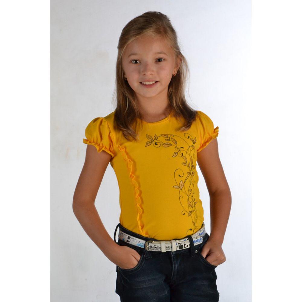 Блузка для девочки РюшаБлузки<br>Блузка для девочки Рюша - летний вариант красивой одежды для девочек.<br>Блузка украшена рюшами. Рукав фонарик придает пикантности.  Сшито изделие из кулирки с лайкрой. Кулирка - нежный трикотаж, который считается лучшим для детской одежды. Трикотаж обладает лучшими характеристиками и свойствами: идеально облегает фигуру, свободно тянется, легко стирается, не теряет первоначальную форму.<br>Модная детская одежда из Иванова - это стильный покрой даже для самых маленьких и приятное качество.<br>  Размер: 32<br><br>Принадлежность: Детская одежда<br>Возраст: Младший школьный возраст (7-10 лет)<br>Пол: Девочка<br>Основной материал: Кулирка<br>Страна - производитель ткани: Россия, г. Иваново<br>Вид товара: Детская одежда<br>Материал: Кулирка с лайкрой<br>Состав: 80% хлопок, 20% полиэстер<br>Длина: 18<br>Ширина: 12<br>Высота: 2<br>Размер RU: 32