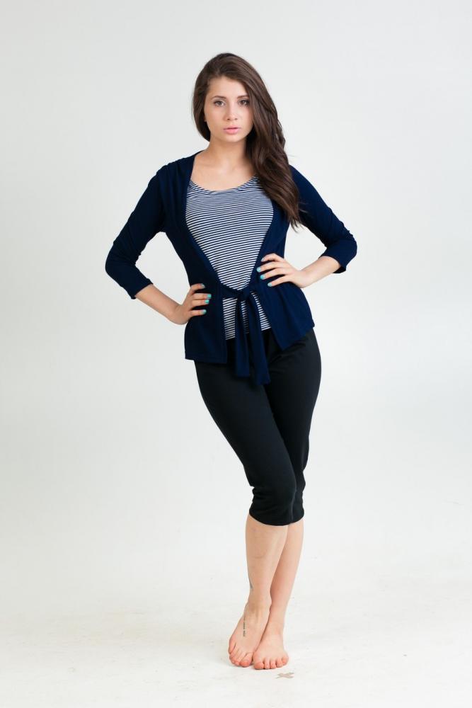 Туника женская МиленаТуники<br>Даже самая красивая блузка не может оправдать своего неудобства, которое она вам доставляет, своим безупречным дизайном.   Например, женская блузка Елена поможет вам выглядеть стильно, при этом не заставит вас чувствовать себя неудобно. Все в данной блузке было создано с той целью, чтобы в модели ужились стильный дизайн и удобный фасон. И, как видите, у производителя это получилось.   Блузка Елена сшита из легкой вискозы, она хорошо пропускает воздух и позволяет дышать вашему телу. Ее дизайн позволяет комбинировать модель с самыми различными вещами: начиная джинсами и заканчивая строгими брюками.<br>Обратите внимание - на бирке изделия может быть указан неверный материал (100% хлопок) - в данный момент эта проблема решается производителем. Размер: 46<br><br>Принадлежность: Женская одежда<br>Основной материал: Вискоза<br>Страна - производитель ткани: Россия, г. Иваново<br>Вид товара: Одежда<br>Материал: Вискоза<br>Длина: 18<br>Ширина: 12<br>Высота: 7<br>Размер RU: 46