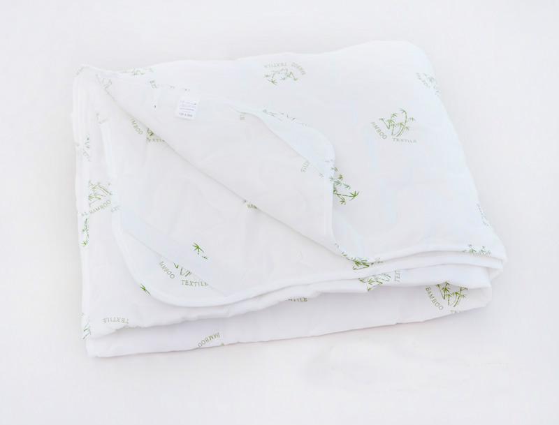 Наматрацник Бамбуковое волокно (полиэстер) 140х200 смНаматрасники<br>Наматрацник - необходимая вещь для каждой постели. Он не только защищает матрас от загрязнения, но и улучшает качество Вашего сна. Наматрацник с наполнителем из бамбукового волокна - это двойная забота о здоровье Вашего организма. Бамбук славится своими лучшими оздоровительными свойствами, омолаживающим действием, практичностью и другими положительными характеристиками. Бамбуковые наматрасники, Иваново которые производит в большом ассортименте, не только приятные на ощупь, но и являются одними из самых экологичных постельных принадлежностей.<br>Размеры:<br>70х200см<br>80х200 см<br>90х200 см<br>120х200 см<br>140х200 см<br>160х200 см<br>180х200 см<br> <br> <br> <br> <br> <br> <br> <br> <br> <br> <br> <br> <br> <br> <br> <br> <br>  Размер: 140х200 см<br><br>Производство: Снят с производства/закупки<br>Принадлежность: Для дома<br>По назначению: Повседневные<br>Наполнитель: Бамбуковое волокно<br>Тип наматрацника: мягкие<br>Крепеж: резинка по углам<br>Основной материал: Полиэстер<br>Страна - производитель ткани: Россия, г. Иваново<br>Вид товара: Матрасы и наматрасники<br>Материал: Полиэстер<br>Плотность: 150 г/кв. м.<br>Длина: 43<br>Ширина: 23<br>Высота: 13<br>Размер RU: 140х200 см