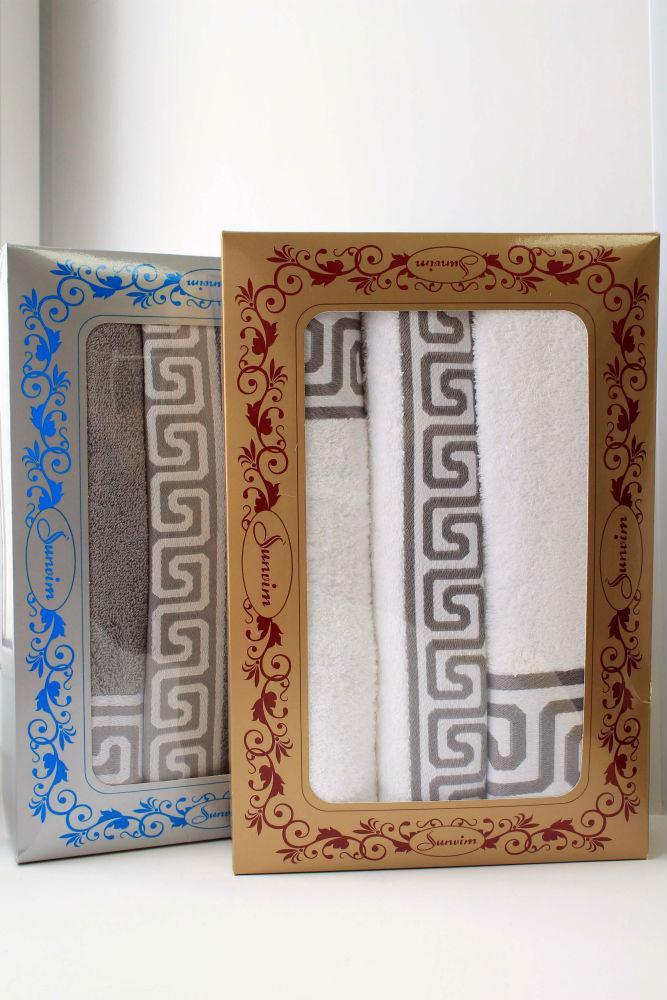 Подарочный набор ГреческийПодарочные наборы<br>Комплектация набора: 34*76 - 1 штука , 50*90 - 1 штука, 70*140 - 1 штука<br><br>Принадлежность: Для дома<br>По назначению: Повседневные<br>Основной материал: Махра<br>Страна - производитель ткани: Sunvim Co. Ltd., Китай.<br>Вид товара: Полотенца<br>Материал: Махра<br>Плотность: 380 г/кв. м.<br>Состав: 100% хлопок<br>Длина: 37<br>Ширина: 27<br>Высота: 6