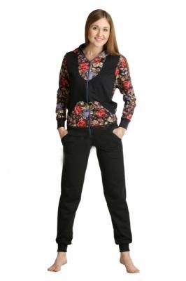 Костюм женский ПреславаЗимние костюмы<br>Практичный темный костюм для утренней пробежки или прогулки под луной. Узкие однотонные брюки с манжетами, на блузоне кокетка выполнена в виде жилетки. Имеются два кармана, сделанных по косой линии, и капюшон с однотонной подкладкой.<br><br>Длина кофты по спинке: <br>42-56 размеры64 см<br><br>Длина брюк по боковому шву:<br>42-46 размеры105 см<br>48-50 размеры108 см<br>52-56 размеры111 см Размер: 54<br><br>Принадлежность: Женская одежда<br>Комплектация: Брюки, кофта<br>Основной материал: Футер<br>Страна - производитель ткани: Россия, г. Иваново<br>Вид товара: Одежда<br>Материал: Футер<br>Состав: 72% хлопок , 20% полиэстер, 8% лайкра<br>Длина: 30<br>Ширина: 20<br>Высота: 11<br>Размер RU: 54