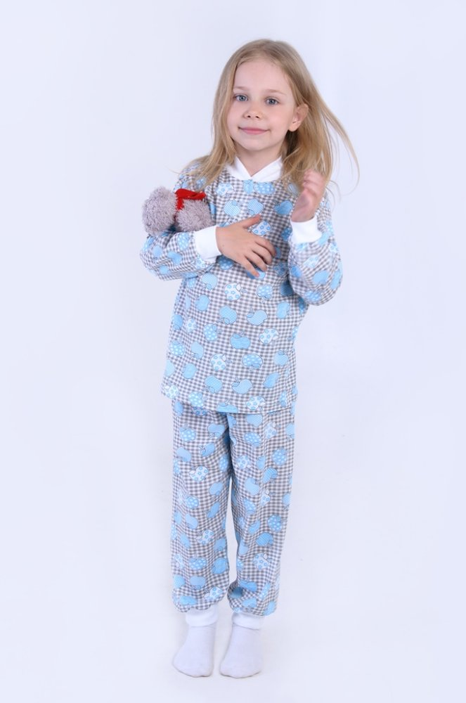 Пижама КнопкаПижамы<br>Подарить своему ребенку ночь, наполненную уютом и самыми нежными снами, не так уж сложно, ведь сделать это вы можете с помощью данной детской пижамы на кнопках.  Детская пижама сшита из кулирки, материала с экологически чистым и гипоаллергенным хлопковым составом, и включает в себя кофту на кнопках и штанишки. И кофта, и штанишки выполнены в насыщенной расцветке и отделаны белыми манжетами.   Подойдет данная модель и девочке, и мальчику дошкольного возраста (до шести лет), она идеальна для любого времени года, в том числе и для жаркого лета, ведь она отлично пропускает воздух, тем самым позволяя телу дышать и не вызывая прения.    Размер: 26<br><br>Принадлежность: Детская одежда<br>Комплектация: Брюки, кофта<br>Возраст: Дошкольник (1-6 лет)<br>Пол: Унисекс<br>Основной материал: Кулирка<br>Страна - производитель ткани: Россия, г. Иваново<br>Вид товара: Детская одежда<br>Материал: Кулирка<br>Сезон: Круглогодичный<br>Длина: 15<br>Ширина: 13<br>Высота: 3<br>Размер RU: 26