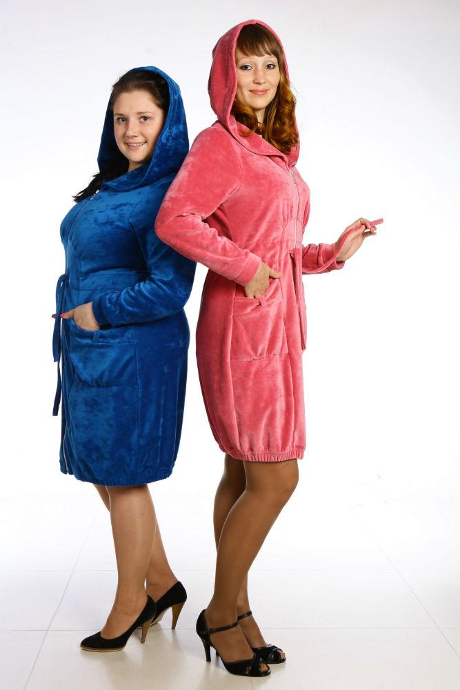 Халат женский МалагаТеплые халаты<br>Порой подарить вам чувство уюта может не столько комната и ее интерьер, сколько одежда, которая на вас. И к такому типу одежды можно с полной уверенностью отнести женский домашний халат Малага!   Сшитый из мягкого и приятного на ощупь велюра халат очень скоро станет вашей любимой одеждой для носки дома! И это неудивительно, ведь велюр действительно умеет заботиться о теле, позволяя ему дышать в жаркую и душную погоду, а вам - избежать чувства дискомфорта.   Но халат Малага не был бы таким удобным и комфортабельным, если бы не его фасон, позволяющий вам двигаться так свободно, как только заблагорассудиться! Размер: 54<br><br>Принадлежность: Женская одежда<br>Основной материал: Велюр<br>Страна - производитель ткани: Россия, г. Иваново<br>Вид товара: Одежда<br>Материал: Велюр<br>Тип застежки: Молния<br>Длина рукава: Средний<br>Длина: 30<br>Ширина: 20<br>Высота: 11<br>Размер RU: 54