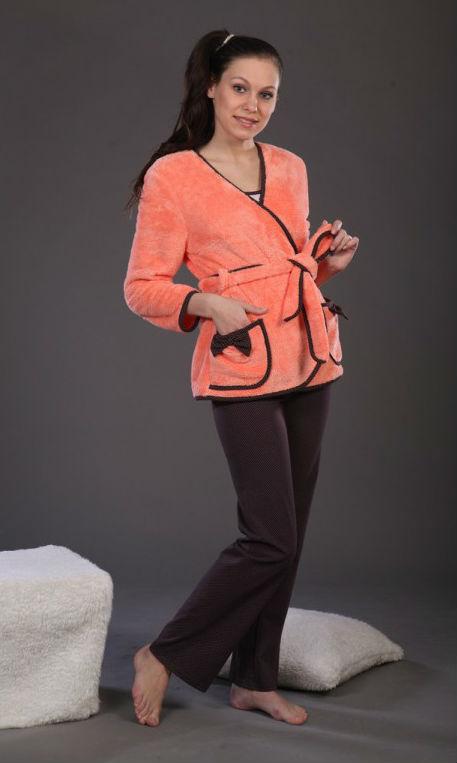 Куртка женская КэйтВерхняя одежда<br>Куртка запашная, отделка – окантовка и бантики на карманах из кулирки. Размер: 46<br><br>Принадлежность: Женская одежда<br>Основной материал: Велсофт<br>Страна - производитель ткани: Россия, г. Иваново<br>Вид товара: Одежда<br>Материал: Велсофт<br>Тип застежки: Без застежки<br>Состав: 100% полиэстер<br>Длина рукава: Длинный<br>Длина: 19<br>Ширина: 17<br>Высота: 9<br>Размер RU: 46