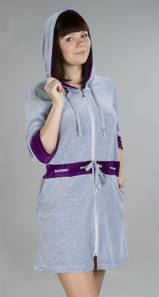 Халат женский ВалкирияТеплые халаты<br>Обычный домашний халат может быть не менее привлекательным и женственным, чем платье на выход. И яркое тому доказательство - это женский домашний халат Валкирия, который вы сейчас видите перед собой!   Он сшит из мягкого велюра и выполнен в приталенном силуэте. Серый цвет изделия не выглядит скучным, а наоборот, - очень нежным, что вы и сами поймете, увидев халат в реальной жизни. Он также оснащен двумя карманами по бокам и капюшоном, а по линии талии проходит шнурок, который можно использовать в качестве ремешка.   Женский домашний халат Валькирия подарит вам такой комфорт и уют во время носки, что мысли о приобретении другой одежды для дома у вас не возникнет очень долго! Размер: 46<br><br>Высота: 11<br>Размер RU: 46