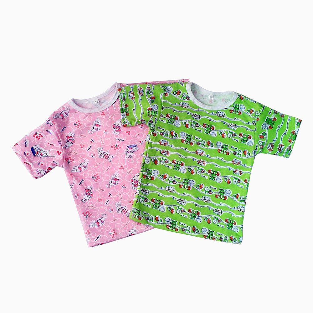Футболка детская ЮлаФутболки<br>Ваш ребенок, конечно же, не будет задумываться о качестве одежды, о составе ее ткани и многих других характеристиках, поэтому это делать приходится родителям, чтобы малыш чувствовал себя в этой одежде комфортно.<br>Детская футболка Юла сшита из мягкой ткани, в составе которой находится натуральное и экологически чистое хлопковое волокно. Футболка имеет прямой крой и короткие рукава, она удобна в носке и позволяет ребенку свободно двигаться, не сковывая его движений. <br>Футболка Юла понравится не только родителям, но и самому малышу, ведь она выполнена в яркой расцветке с веселым детским рисунком!  Размер: 24<br><br>Производство: Закупается про запас<br>Принадлежность: Детская одежда<br>Возраст: Младенец (0-12 месяцев)<br>Пол: Унисекс<br>Основной материал: Кулирка<br>Страна - производитель ткани: Россия, г. Иваново<br>Вид товара: Детская одежда<br>Материал: Кулирка<br>Длина: 18<br>Ширина: 12<br>Высота: 2<br>Размер RU: 24