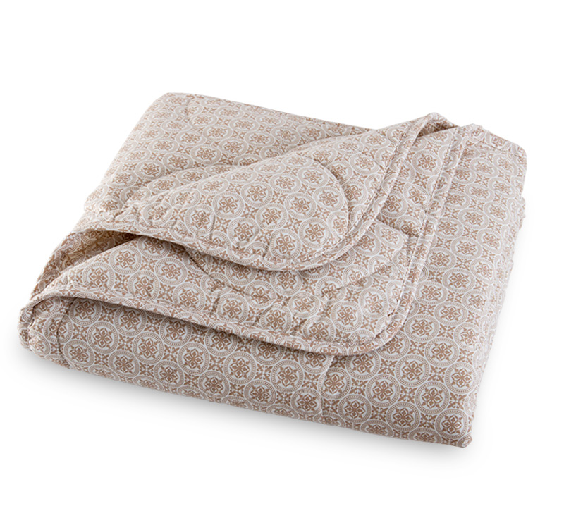 Одеяло зимнее Хлопок и лен (перкаль) Евро-1 (200*220)Хлопковые<br>Предпочитаете окружать себя красотой, грамотно сочетая ее с практичностью? Не хотите отступать от принципов даже в бытовых мелочах? Это не проблема с зимним одеялом Хлопок и лен из перкаля.<br>Перкаль - высокопрочный натуральный материал на хлопковой основе. Именно он часто используется для пошива постельного белья либо спальных принадлежностей. Экологичный и гипоаллергенный, он исключительно безвреден, а вдобавок - неприхотлив, надежен, качественен и практичен. Одеяло порадует долговечностью и износостойкостью.<br>Дополнительно одеяло Хлопок и лен приятно порадует выгодной ценой. Стоимость приобретения практически мгновенно окупается его качеством.  Размер: Евро-1 (200*220)<br><br>Тип одеяла: Премиум<br>Принадлежность: Для дома<br>Плотность КПБ: 110 гр/кв.м<br>По назначению: Повседневные<br>Наполнитель: Хлопок<br>Основной материал: Перкаль<br>Страна - производитель ткани: Россия, г. Иваново<br>Вид товара: Одеяла и подушки<br>Материал: Перкаль<br>Сезон: Зима<br>Плотность: 110 г/кв. м.<br>Состав: 50% полиэфирное волокно, 25% хлопок, 25% лен<br>Толщина одеяла: Стандартное (от 300 до 500 гр/кв.м)<br>Длина: 48<br>Ширина: 38<br>Высота: 15<br>Размер RU: Евро-1 (200*220)