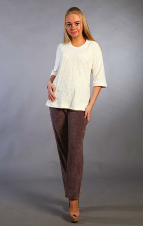 Костюм женский МонакоЗимние костюмы<br>Костюм женский, брюки длинные, блуза рукав 3/4. Размер: 52<br><br>Принадлежность: Женская одежда<br>Комплектация: Брюки, блузка<br>Основной материал: Махра<br>Вид товара: Одежда<br>Материал: Махра<br>Состав: 80% хлопок, 20% полиэстер<br>Длина: 30<br>Ширина: 20<br>Высота: 11<br>Размер RU: 52
