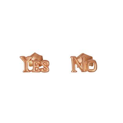 Серьги бижутерия 3401458рБез камней<br>Вы любите оригинальные, и даже нестандартные украшения и предпочитаете их обычным ювелирным изделиям, которые заставляют вас сливаться с толпой? Тогда представленные серьги - это именно то, что вам нужно!   Не приглядываясь, можно подумать, что серьги выполнены из натурального золота высшей пробы, однако, материал изделия - это всего лишь бижутерный сплав (но на редкость качественный), а вот в качестве покрытия было использовано золочение, обладающее высокой стойкостью.   Изюминка сережек заключается в их дизайне, который является очень необычным и точно сделает любую женщину, кто добавит эти серьги к своему образу, оригинальной! <br>Артикул 3401458р Покрытие золочение<br><br>Вид застёжки: Застёжка - гвоздик<br>Принадлежность: Драгоценности<br>Основной материал: Бижутерный сплав<br>Страна - производитель ткани: Россия, г. Приволжск<br>Вид товара: Бижутерия<br>Материал: Бижутерный сплав<br>Покрытие: Золочение<br>Вставка: Без вставки<br>Упаковка: 1 пара<br>Габариты, мм (Длина*Ширина*Высота): 8,5*5*14<br>Длина: 8<br>Ширина: 8<br>Высота: 2