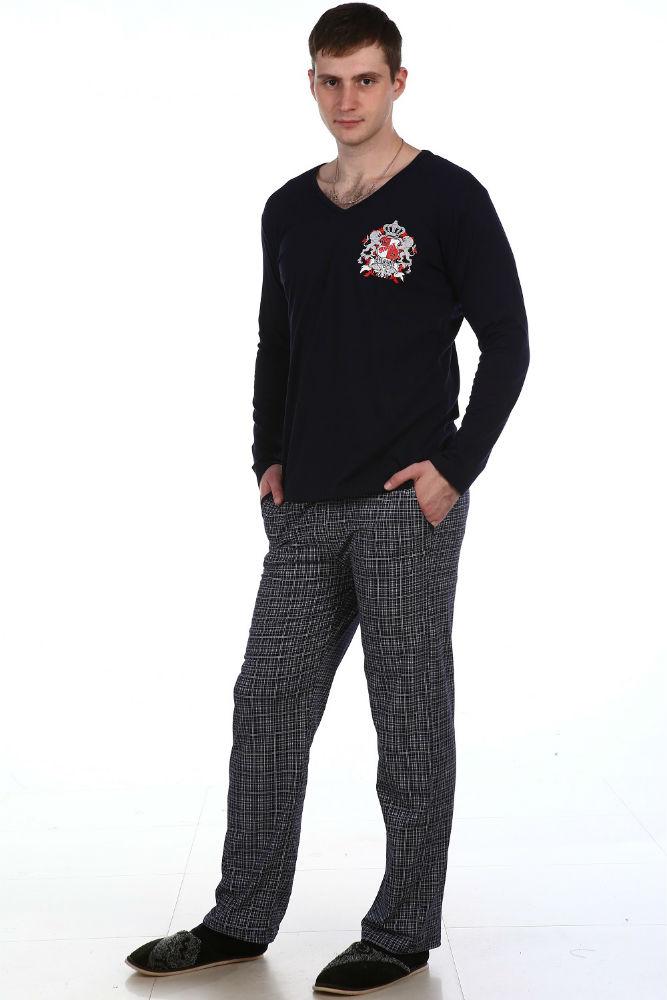 Пижама мужская ОскарПижамы<br>Стильная и лаконичная пижама - именно такой и достоин настоящий мужчина, настоящий победитель. А потому вы точно не имеете права пройти мимо модели Оскар, представляющей собой мужскую пижаму из кулирки.   Данная пижама для мужчин включает в себя два изделия: футболку прямого кроя с длинным рукавом и V-образным вырезом и брюки прямого кроя с двумя внутренними карманами по бокам. Вам обязательно понравится благородный дизайн пижамы и богатая цветовая гамма, использованная в расцветке.   Благодаря кулирке, из которой мужская пижама Оскар сшита, и ее натуральному хлопковому составу, спать в пижаме вы будете самым спокойным и крепким сном.   Размер: 54<br><br>Высота: 9<br>Размер RU: 54