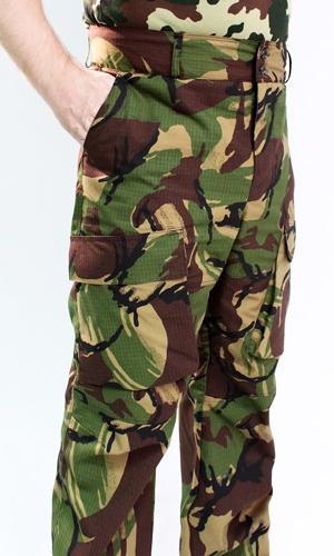 Брюки Нато (зеленый КМФ)Для охотников<br>Размер: 44-46<br><br>Основной материал: Смесовые ткани<br>Вид товара: Одежда<br>Материал: Смесовые ткани<br>Длина: 27<br>Ширина: 25<br>Высота: 8<br>Размер RU: 44-46