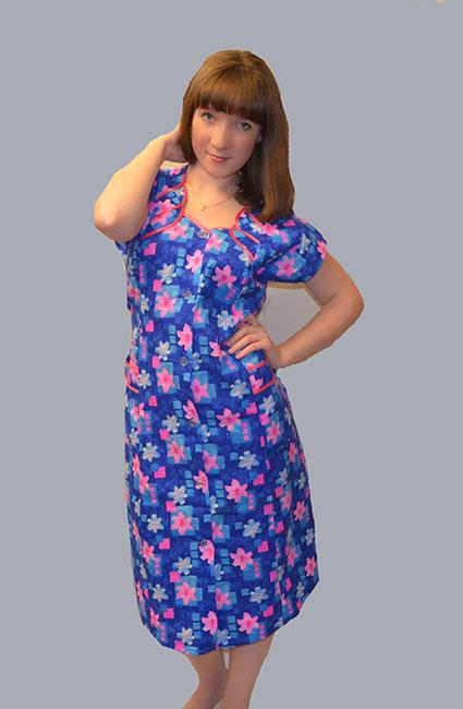 Халат женский НоябринаЛегкие халаты<br>Удобная и практичная домашняя одежда - незаменимый элемент гардероба. Среди классических повседневных решений особого внимания заслуживает женский халат Ноябрина.<br>Основной материал - легкая и приятная телу бязь. Такая ткань чаще всего используется при пошиве постельного белья и других домашних текстильных изделий. Ее практичность и долговечность сполна доказаны практикой. Также материал абсолютно экологичен, гипоаллергенен и хорошо пропускает воздух.<br>Среди преимуществ женского халата Ноябрина - яркая расцветка, которая не линяет и не выцветает долгое время. Доступная стоимость впишется в скромный бюджет.<br> Размер: 54<br><br>Принадлежность: Женская одежда<br>Основной материал: Бязь<br>Вид товара: Одежда<br>Материал: Бязь<br>Длина рукава: Короткий<br>Длина: 19<br>Ширина: 17<br>Высота: 9<br>Размер RU: 54