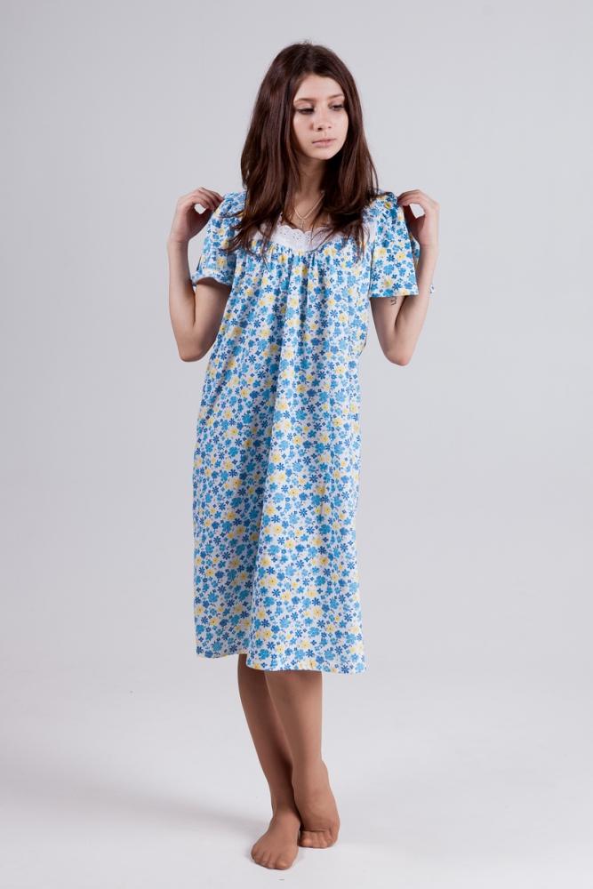 Ночная сорочка ЗояСорочки и ночные рубашки<br>Сон это далеко не то самое время, когда мы не совершаем никаких движений и лежим в одной и той же позе. Даже во сне мы двигаемся, и, естественно, наше тело чувствует всякие стеснения, создаваемые одеждой, в которой мы спим.<br>Именно поэтому ночная сорочка Зоя имеет свободный, но в то же время довольно женственный фасон, который не только позволяет вам свободно двигаться во время сна, но при этом чувствовать себя красивой. У сорочки удобные рукава на одну четверть, прямоугольный отложенный воротник, украшенный кружевом.<br>Кроме того, ночная сорочка Зоя отличается превосходным качеством, при том, что цена невероятно привлекательна - перед ней вы точно не устоите!  Размер: 54<br><br>Принадлежность: Женская одежда<br>Основной материал: Кулирка<br>Вид товара: Одежда<br>Материал: Кулирка<br>Длина: 18<br>Ширина: 12<br>Высота: 7<br>Размер RU: 54