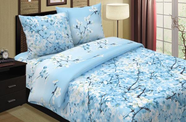 Простыня Сакура голубая (поплин) Евро-1 (220х240)Поплин<br>Поплиновое постельное белье отличается рядом преимуществ: на нем удобно и приятно спать и оно отлично сохраняет свои первоначальные цвет и форму.<br>Поэтому мы спешим представить вашему вниманию поплиновую простыню Сакура голубая. Она выполнена в прекрасном небесно-голубом цвете, в каком и будет оставаться на протяжении долгого времени.<br>Поплиновая простыня Сакура голубая доставит вам удовольствие не только во время сна, но и даже во время чистки, ведь поплин совсем неприхотлив в уходе.  Размер: Евро-1 (220х240)<br><br>Тип простыни: Без шва<br>Производство: Производится про запас<br>Принадлежность: Для дома<br>Плотность КПБ: 115 гр/кв.м<br>Категория КПБ: Цветы и растения<br>По назначению: Повседневные<br>Основной материал: Поплин<br>Страна - производитель ткани: Россия, г. Иваново<br>Вид товара: КПБ<br>Материал: Поплин<br>Плотность: 115 г/кв. м.<br>Состав: 100% хлопок<br>Длина: 25<br>Ширина: 16<br>Высота: 3<br>Размер RU: Евро-1 (220х240)