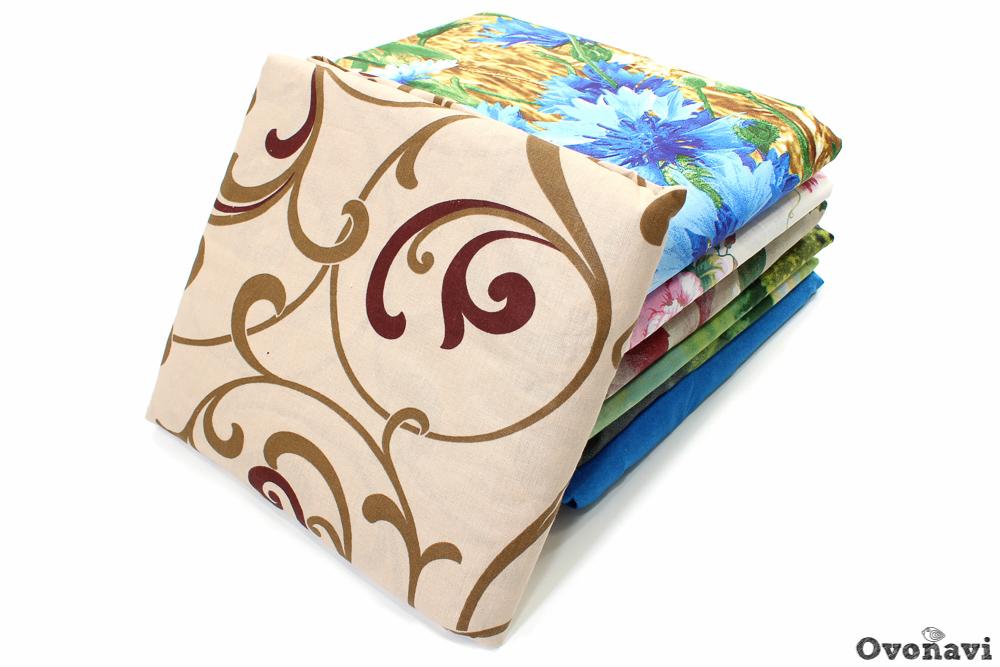 Простыня на резинке (перкаль)Простыни на резинке<br>Не знаете, как лучше обустроить спальное место? Предпочитаете окружать себя качественными и практичными вещами? Обязательно возьмите на заметку простыни на резинке из перкаля!<br>Яркие расцветки вписываются в интерьер, не теряя цвет и не линяя долгое время. Перкаль - прочная, плотная хлопчатобумажная ткань, не пропускающая даже перья и пух. При этом она остается гипоаллергенной, мягкой, не вызывает зуд и раздражение, позволяет полностью расслабиться после тяжелого дня.<br>Простыни на резинке гораздо удобнее и практичнее. Они не ерзают, не сползаю, так что не причиняют дискомфорт, благодаря чему поддерживать спальное место в аккуратном состоянии и порядке не составит труда.<br>Резинка расположена по углам изделия. 40 см в каждом углу простыни. Размер: 180х200<br><br>Тип простыни: Без шва<br>Производство: Производится про запас<br>Принадлежность: Для дома<br>Плотность КПБ: 110 гр/кв.м<br>Категория КПБ: В ассортименте<br>По назначению: Повседневные<br>Основной материал: Перкаль<br>Страна - производитель ткани: Россия, г. Иваново<br>Вид товара: КПБ<br>Материал: Перкаль<br>Сезон: Круглогодичный<br>Плотность: 110 г/кв. м.<br>Состав: 100% хлопок<br>Длина: 30<br>Ширина: 20<br>Высота: 3<br>Размер RU: 180х200