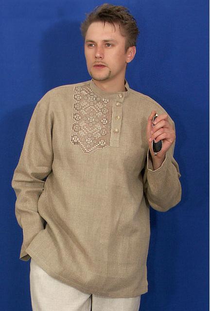 Косоворотка льняная с ручной вышивкой ЯрославРубашки<br>Косоворотка украшена вышивкой в ручном исполнении<br><br>лен 100% Размеры: 46-54 <br><br>Косоворотка выпускается как с коротким, так и длинным рукавом.<br><br>46-54разм.- длина 80см,дл.рукава 25;62см Размер: 58<br><br>Принадлежность: Мужская одежда<br>Основной материал: Лен<br>Страна - производитель ткани: Россия, г. Пучеж<br>Вид товара: Одежда<br>Материал: Лен<br>Длина: 18<br>Ширина: 12<br>Высота: 7<br>Размер RU: 58