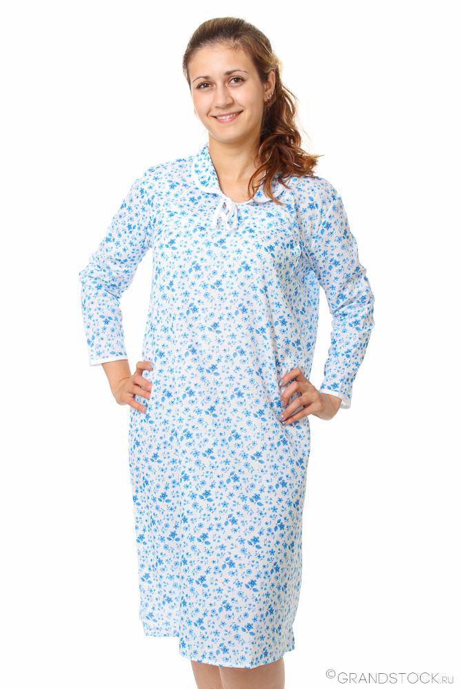 Ночная сорочка СциллаСорочки и ночные рубашки<br>Хотите чувствовать себя привлекательной и женственной даже глубокой ночью или рано утром? Не проблема! Достаточно подобрать подходящую одежду для сна, отложив в сторону растянутые футболки.<br>Простая и удобная ночная сорочка Сцилла изготавливается на основе стопроцентного натурального хлопка. Ситец Шуя - тонкая и легкая ткань, практически не ощущающаяся на коже. Она хорошо пропускает воздух и не доставляет дискомфорта. Фасон рубашки подойдет девушкам разной комплекции.<br>Ночная сорочка Сцилла - повседневный вариант. Она практична, аккуратна и еще долго не изнашивается. Вы точно не пожалеете о таком приобретении!<br>Длина изделия<br>52 размер - 107 см. Размер: 54<br><br>Принадлежность: Женская одежда<br>Основной материал: Ситец<br>Страна - производитель ткани: Россия, г. Иваново<br>Вид товара: Одежда<br>Материал: Ситец Шуя<br>Состав: 100% хлопок<br>Длина рукава: Длинный<br>Длина: 18<br>Ширина: 12<br>Высота: 7<br>Размер RU: 54