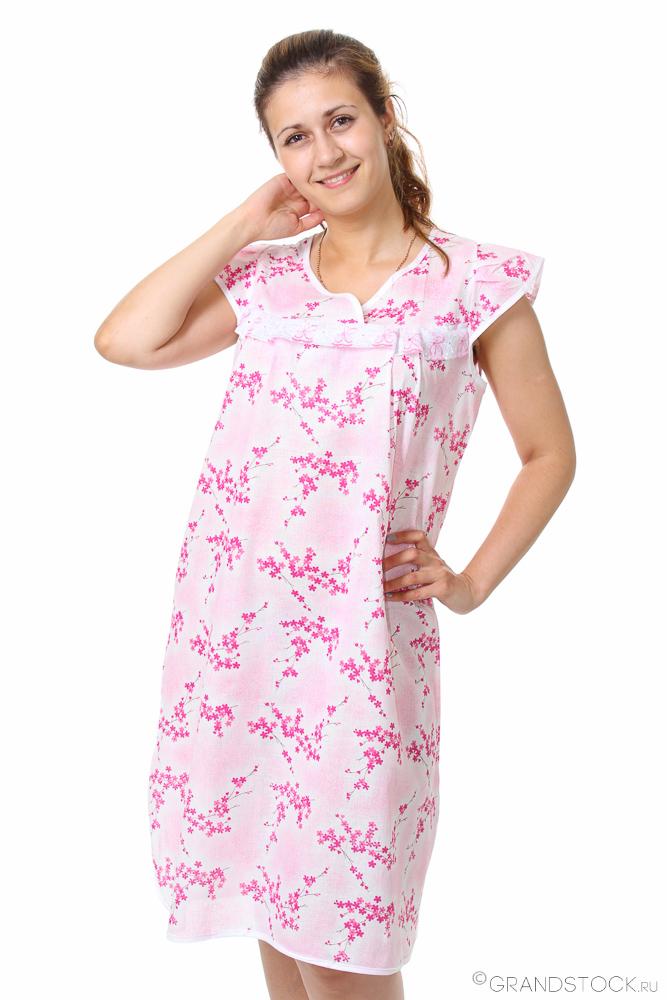 Ночная сорочка АгаваСорочки и ночные рубашки<br>Любительницы классики и простых, лаконичных вещей смогут оценить ночную сорочку Агава, отличающуюся свободным кроем и приятной расцветкой.<br>Пошитая из шуйского ситца, сорочка хорошо пропускает воздух, не стесняет движений, не вызывает аллергии или раздражения, не причиняет дискомфорт. Особенность ткани - уникальное плетение, обеспечивающее тонкость и прочность. Материал легко окрашивается в яркие цвета, хорошо переносит стирки и долго не выцветает, сохраняя первоначальный вид и форму.<br>В наличии - большой выбор размеров. Доступная стоимость ночных сорочек Агава приятно порадует экономных покупательниц.<br> Размер: 56<br><br>Принадлежность: Женская одежда<br>Основной материал: Ситец<br>Страна - производитель ткани: Россия, г. Иваново<br>Вид товара: Одежда<br>Материал: Ситец Шуя<br>Состав: 100% хлопок<br>Длина: 18<br>Ширина: 12<br>Высота: 7<br>Размер RU: 56