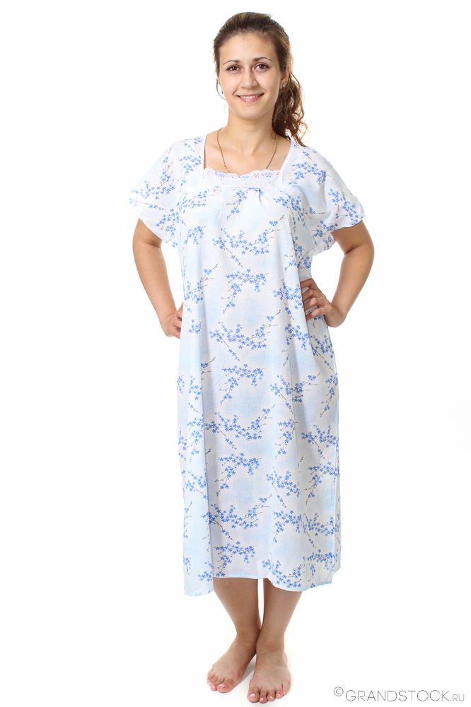 Ночная сорочка БегонияСорочки и ночные рубашки<br>Секрет правильного выбора одежды для отдыха либо сна - легкость, удобство, отсутствие дискомфорта и других неприятных ощущений. Этим критериям сполна соответствует ночная сорочка Бегония.<br>Для пошива используется тонкая, прочная натуральная хлопковая ткань. Ситец Шуя - абсолютно безвредный, экологичный и неприхотливый материал. Он легко стирается и гладится, практически не сминается, не линяет и в течение длительного срока сохраняет свой первоначальный вид. Свободный крой не ограничивает движения во время сна.<br>Ночные сорочки Бегония - это доступная цена, практичность, легкость, ненавязчивый дизайн, универсальность и обширный размерный ряд. Размер: 54<br><br>Принадлежность: Женская одежда<br>Основной материал: Ситец<br>Страна - производитель ткани: Россия, г. Иваново<br>Вид товара: Одежда<br>Материал: Ситец Шуя<br>Состав: 100% хлопок<br>Длина рукава: Без рукава<br>Длина: 18<br>Ширина: 12<br>Высота: 7<br>Размер RU: 54