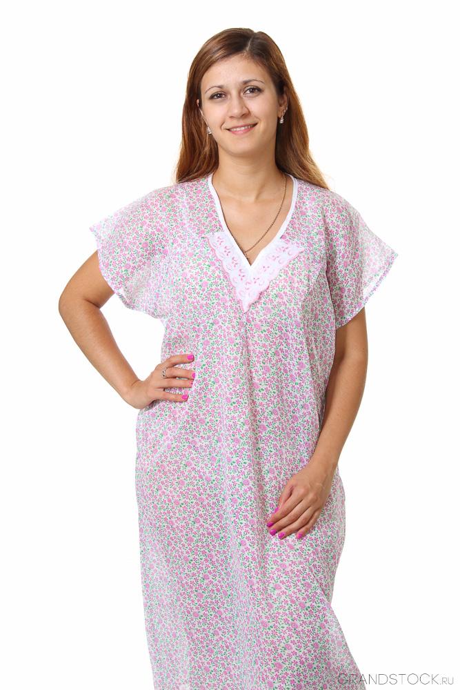 Ночная сорочка ИпомеяСорочки и ночные рубашки<br>Сложно недооценить значение здорового сна в повседневной жизни. Однако его качество складывается из множества мелочей, включая выбор ночной одежды.<br>Если Вы предпочитаете легкость, невесомость и комфорт - обратите внимание на ночную сорочку Ипомея. Стопроцентный хлопок абсолютно экологичен. Он не вызывает аллергии, раздражения и других проблем. Ненавязчивая расцветка аккуратна и женственна. При этом ткань не будет пачкаться и линять.<br>Ситцевая ночная сорочка Ипомея сочетает в себе удобство, неприхотливость и невысокую цену. Достаточно подобрать подходящий размер и отметить его в соответствующей форме. Размер: 50<br><br>Принадлежность: Женская одежда<br>Основной материал: Ситец<br>Страна - производитель ткани: Россия, г. Иваново<br>Вид товара: Одежда<br>Материал: Ситец<br>Длина по спинке : 62 размер - 109 см<br>Состав: 100% хлопок<br>Длина рукава: Короткий<br>Длина: 18<br>Ширина: 12<br>Высота: 7<br>Размер RU: 50