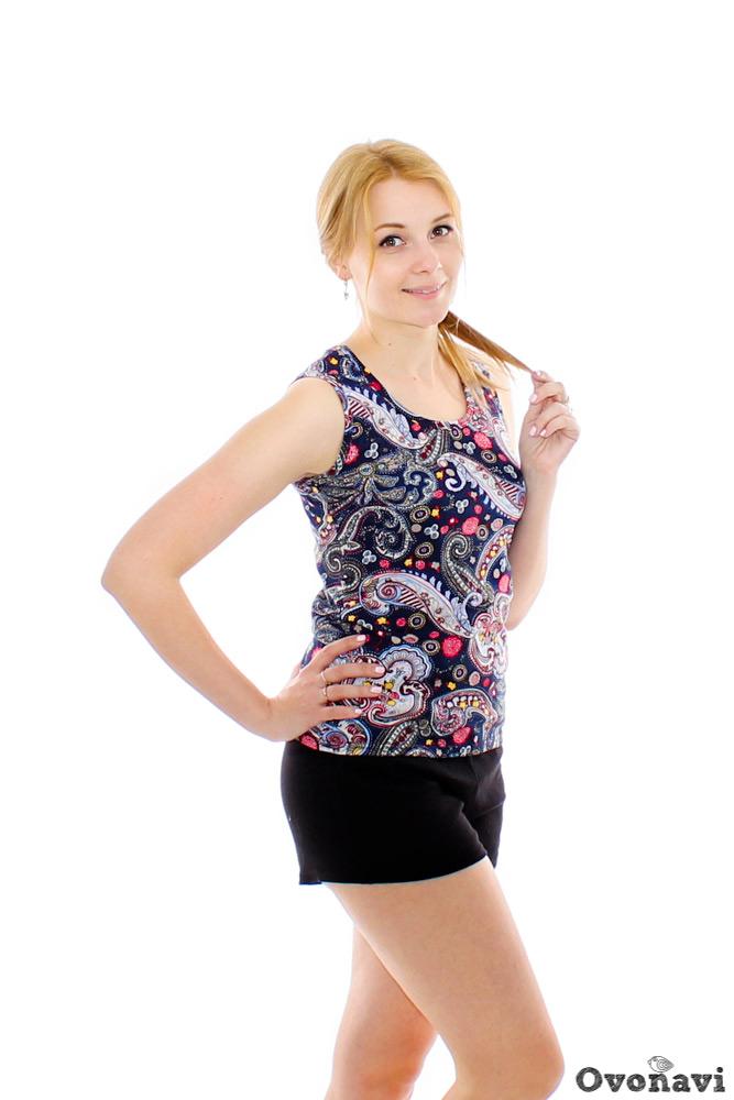 Шорты женские АймаШорты<br>В жаркую погоду или дома идеальная одежда - мягкие легкие шортики. Но выбрать подходящий вариант не всегда удается. Ищите модель из натуральной ткани и по выгодной цене? Тогда шорты женские Айма - это то, что вам нужно!<br>Изделие выполнено из натурального хлопчатобумажного материала интерлока. Он славится своей мягкостью и считается одним из самых приятных к телу тканей, которые не деформируются и не выцветают после стирки. В шортах из интерлока можно с удобством делать домашние дела, проводить время на прогулке, а еще надевать во время дачных работ.<br>Однотонная расцветка и классический крой позволяют сочетать женские шорты Айма с любыми футболками, майками и кофтами. Размер: 60, Черный<br><br>Производство: Производится про запас<br>Принадлежность: Женская одежда<br>Основной материал: Интерлок<br>Страна - производитель ткани: Россия, г. Иваново<br>Вид товара: Одежда<br>Материал: Интерлок<br>Сезон: Лето<br>Обработка: Шов в подгибку с обметанным срезом в 1,5-2 см по низу<br>Другие особенности: Пояс цельнокроенный под резинку в 2 см<br>Длина: 18<br>Ширина: 12<br>Высота: 3<br>Размер RU: 60, Черный