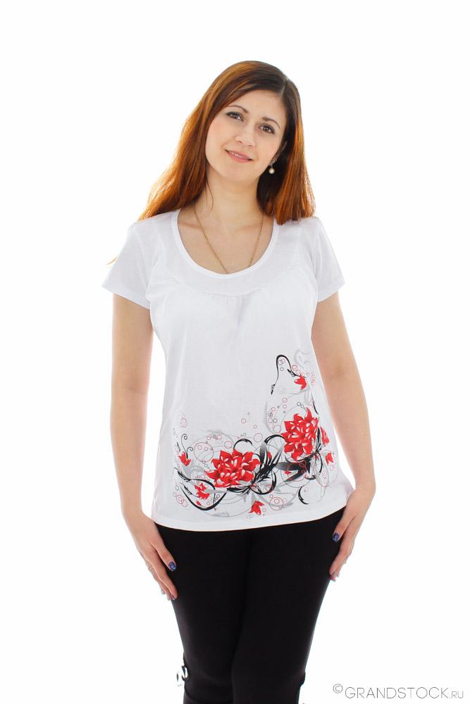 Футболка женская ЖасминФутболки<br>Можно выглядеть нежно и стильно даже тогда, когда на тебе всего лишь футболка и джинсы. Не верите? Тогда взгляните на модель, представленную в нашем каталоге, - футболка Жасмин.<br>Эта белая женская футболка вроде бы ничем не отличается от других, но ее украшает красивый цветочный рисунок. Модель выполнена из кулирки, натуральной хлопковой ткани, поэтому она позволит вам чувствовать себя комфортно даже при тридцатиградусной жаре.<br>Изделие не боится частых стирок и глажек, поэтому вы не будете разочарованы тем, что белый цвет превратился в серый, а рисунок истрепался, что случается с большинством одежды из синтетики. Размер: 60<br><br>Производство: Снят с производства/закупки<br>Принадлежность: Женская одежда<br>Основной материал: Кулирка<br>Страна - производитель ткани: Россия, г. Иваново<br>Вид товара: Одежда<br>Материал: Кулирка<br>Сезон: Лето<br>Тип застежки: Без застежки<br>Длина рукава: Короткий<br>Длина: 18<br>Ширина: 12<br>Высота: 7<br>Размер RU: 60