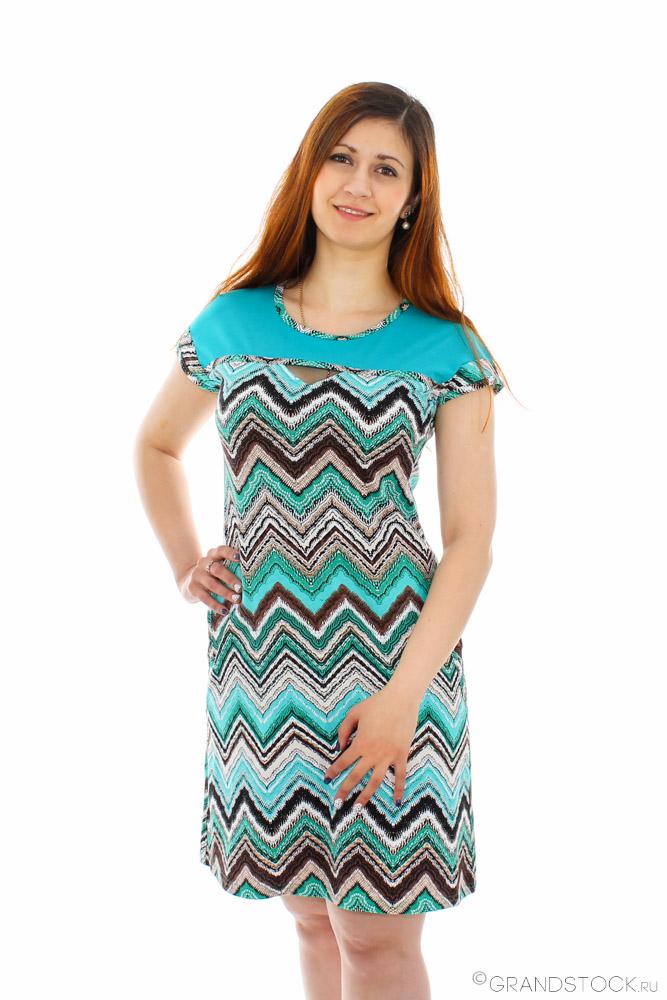 Платье женское ЭдэнПлатья<br>Хотите приобрести платье, но не можете отыскать свой фасон? Не знаете, какие модели в тренде? Разыскиваете яркий и стильный наряд?<br>Обратите внимание на женское платье Эдэн. Его оригинальная расцветка подарит массу положительных эмоций и поднимет настроение даже в самые серые дни. Кулирка - легкая, приятная ткань, отличающаяся практичностью и износостойкостью. Цвета не линяют при соблюдении рекомендаций по уходу. Крой платья подчеркнет фигуру, не доставляя дискомфорта.<br>Женское платье Эдэн - основа элегантного и изящного образа, который отлично впишется в повседневные будни и подойдет для праздничных дней. Размер: 56<br><br>Длина платья: Миди<br>Принадлежность: Женская одежда<br>Основной материал: Кулирка<br>Страна - производитель ткани: Россия, г. Иваново<br>Вид товара: Одежда<br>Материал: Кулирка<br>Сезон: Лето<br>Тип застежки: Без застежки<br>Состав: 100% хлопок<br>Длина рукава: Короткий<br>Длина: 18<br>Ширина: 12<br>Высота: 7<br>Размер RU: 56