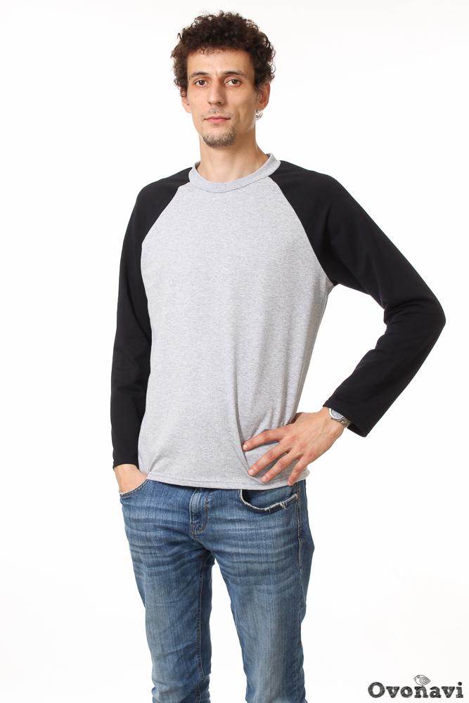 Свитшот мужской ГрегориЛегкие<br>Успешность нового дня во многом зависит от того, какую одежду вы выберете с утра. Ведь дискомфорт, который доставляют неудобные вещи, может серьезно испортить боевой настрой! Именно поэтому в гардеробе каждого мужчины должен быть набор качественных футболок и свитшотов, легко сочетающихся с джинсами и идеально подходящими на каждый день. Именно такую модель &amp;amp;mdash; свитшот Грегори - мы спешим вам представить!<br>Изделие выполнено из качественного футера, теплого хлопкового полотна, обладающего отличными свойствами. Натуральный материал подходит всем без исключения &amp;amp;mdash; даже людям с чувствительной кожей, поскольку он совершенно гипоаллергенен. Ткань отличается высокой теплоемкостью, а кроме того, очень приятна на ощупь, поэтому бояться дискомфорта вам не придется. Структура материала позволяет ему пропускать воздух, а значит, кожа будет дышать на протяжении всего дня. И, наконец, износостойкость материала гарантирует вам долгую и верную службу изделия!<br>Свитшот Грегори - это пример гармоничного сочетания комфорта и стиля. В первую очередь стоит оценить фасон: средняя длина, длинные рукава и прямой крой. Все это делает модель максимально удобной, даже при длительной носке. Дизайн изделия соответствует общей идее лаконичности: классические серый и черные цвета, обыгранные за счет рукавов типа реглан, дают возможность сочетать свитшот с самыми разными джинсами и штанами.<br>Задумались о выгодной обновке? Тогда вам точно не стоит проходить мимо мужского свитшота Грегори. Высокое качество материала, стильный и лаконичный дизайн и комфорт станут вашими верными спутниками на каждый день, а приятно низкая цена несомненно порадует! Размер: 48<br><br>Производство: Производится про запас<br>Принадлежность: Мужская одежда<br>Основной материал: Футер<br>Страна - производитель ткани: Россия, г. Иваново<br>Вид товара: Одежда<br>Материал: Футер<br>Сезон: Весна - осень<br>Тип горловины: Круглый вырез с планкой<br>Тип рукава: Регла