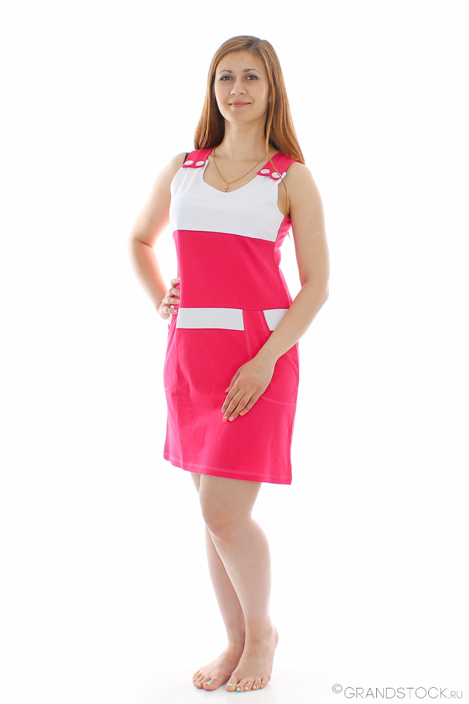 Платье женское АлинаПлатья<br>Иногда она может быть нежной и романтичной, иногда строгой и деловой, а порой женщина может быть и кокетливой - все зависит от нее и подобранного ею образа. И если сегодня вы решили быть именно кокетливой и игривой, то женское платье Алина точно пригодится вам!   Данная модель имеет укороченный и приталенный силуэт, а также широкие бретели. Платье отлично подчеркивает достоинства фигуры, а недостатки умело скрывает, хотя вы и сами в этом убедитесь. Кокетливости изделию придает ее расцветка, в которой сочетаются яркий и белоснежно-белый цвета, причем вы можете выбрать одну из расцветок, которая вам больше нравится, ведь на выбор имеется три варианта.   Еще одно, но не последнее, преимущество платья Алина кроется в том, что оно сшито из мягкой и дышащей ткани, а потому просто идеально подходит для носки теплым и даже жарким летом.   Размер: 44<br><br>Принадлежность: Женская одежда<br>Основной материал: Интерлок<br>Страна - производитель ткани: Россия, г. Иваново<br>Вид товара: Одежда<br>Материал: Интерлок<br>Сезон: Весна - осень<br>Длина рукава: Без рукава<br>Длина: 19<br>Ширина: 15<br>Высота: 4<br>Размер RU: 44