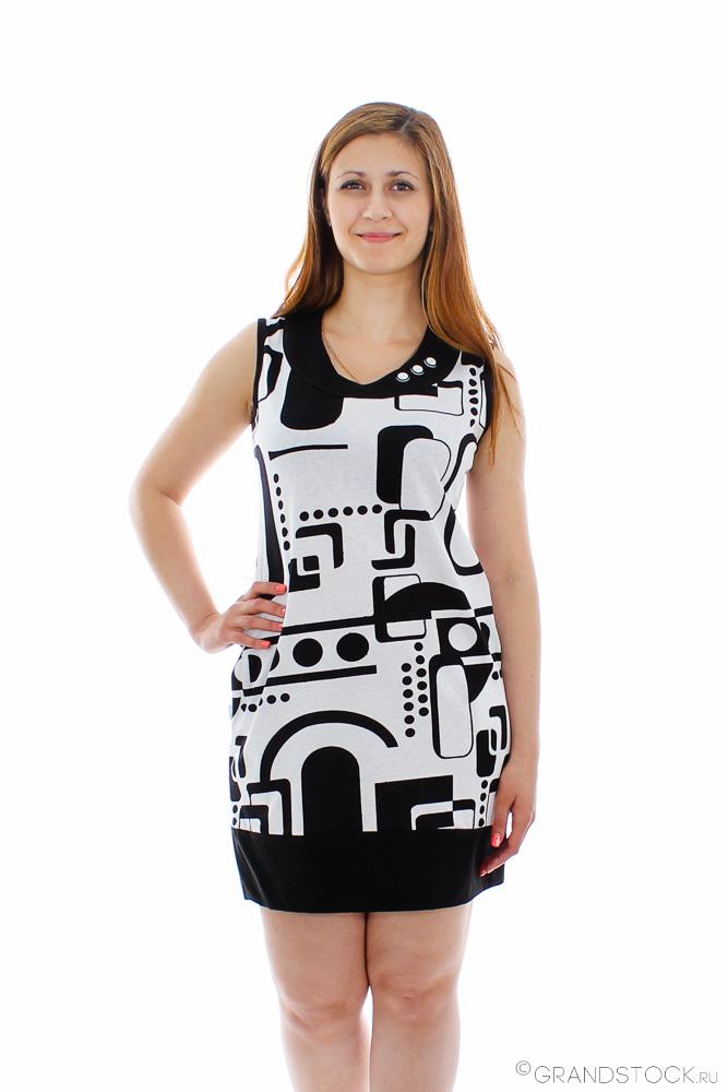 Платье женское ДианаПлатья<br>Лето - это время, когда ни одна женщина не имеет права выглядеть скучно и непривлекательно. Именно поэтому мы немного расскажем вам о женском платье Диана!<br>Нельзя не заметить стильной расцветки данного платья, а особенно - контрастных геометрических узоров. Платье также отличается отделкой низа и оригинальным вырезом. Благодаря фасону и длине платье также можно носить с леггинсами, как тунику. Стоит ли говорить о том, что в этом платье вы ни на минуту не останетесь без внимания и комплиментов?<br>Но вы оцените еще и то, какую легкость способна подарить вам данная модель, ведь она сшита из воздухопроницаемой кулирки, в которой тело будет дышать, и даже самая жаркая погода не позволит вам чувствовать себя в ней дискомфортно. Размер: 54<br><br>Принадлежность: Женская одежда<br>Основной материал: Кулирка<br>Страна - производитель ткани: Россия, г. Иваново<br>Вид товара: Одежда<br>Материал: Кулирка<br>Сезон: Лето<br>Состав: 100% хлопок<br>Длина рукава: Без рукава<br>Длина: 19<br>Ширина: 15<br>Высота: 4<br>Размер RU: 54