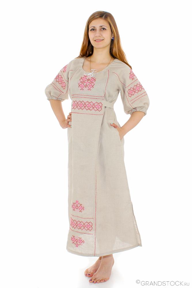 Платье льняное Славянка (большемерка)Платья<br>Лен - на удивление приятный телу материал, который делает многие вещи идеальными для носки летом. Он не раздражает кожу, так как выполнен из экологически чистого сырья, он также позволяет ей дышать, защищая от прения.<br>И платье Славянка, которое мы желаем представить вашему вниманию, выполнено из натурального льна. В дизайне данной модели действительно есть что-то славянское, она имеет удлиненный фасон и расклешенную юбку, а также украшена потрясающей вышивкой.<br>Женское платья Славянка представлено в трех расцветках, а также является большемеркой: учитывайте это при выборе размера и выбирайте на два размера меньше своего. Другие платья для полных в интернет-магазине можно увидеть, перейдя по ссылке. Размер: 46<br><br>Длина платья: Макси<br>Производство: Снят с производства/закупки<br>Принадлежность: Женская одежда<br>Основной материал: Лен<br>Страна - производитель ткани: Россия, г. Пучеж<br>Вид товара: Одежда<br>Материал: Лен<br>Длина рукава: Средний<br>Длина: 18<br>Ширина: 12<br>Высота: 7<br>Размер RU: 46